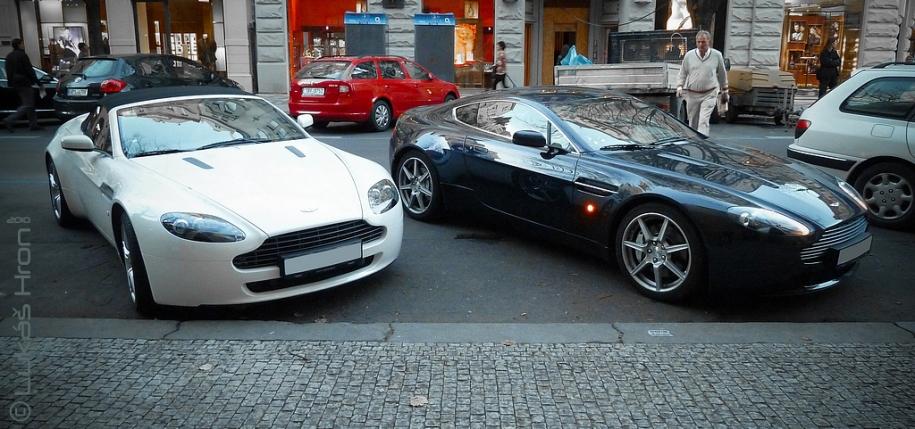 AM Vantage Roadster & Vantage