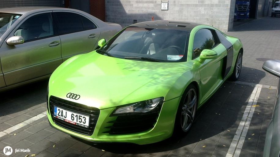 Zelená R8