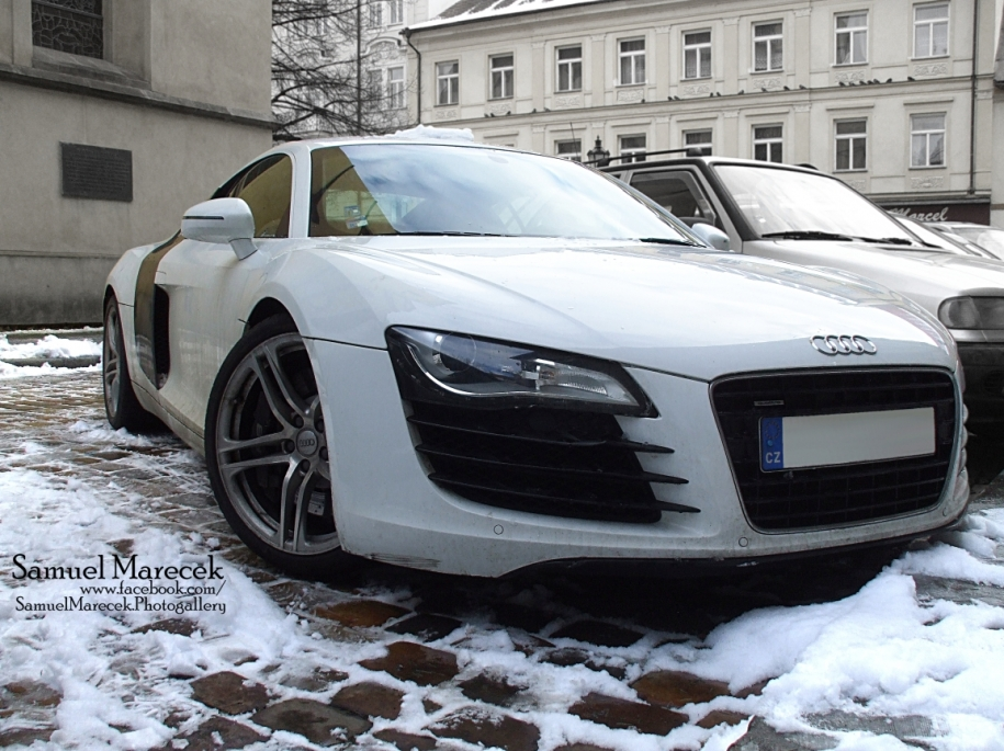 .:Audi R8 V8:.