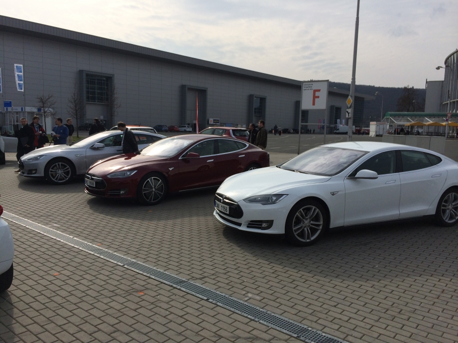 Tesla Model S + 2x Model S P85