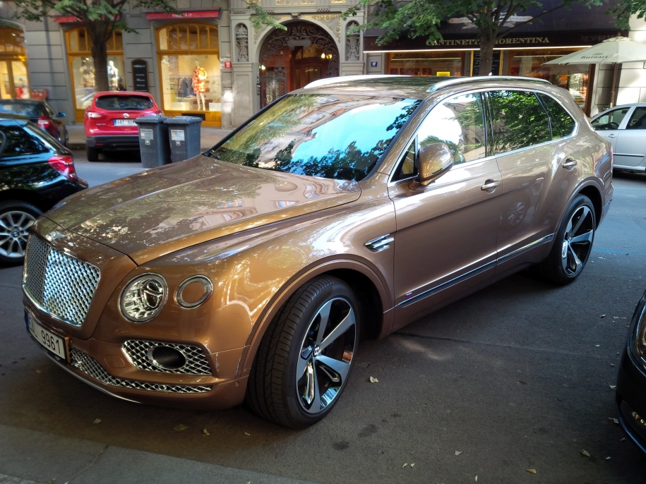 Bentley Bentyaga First Edition
